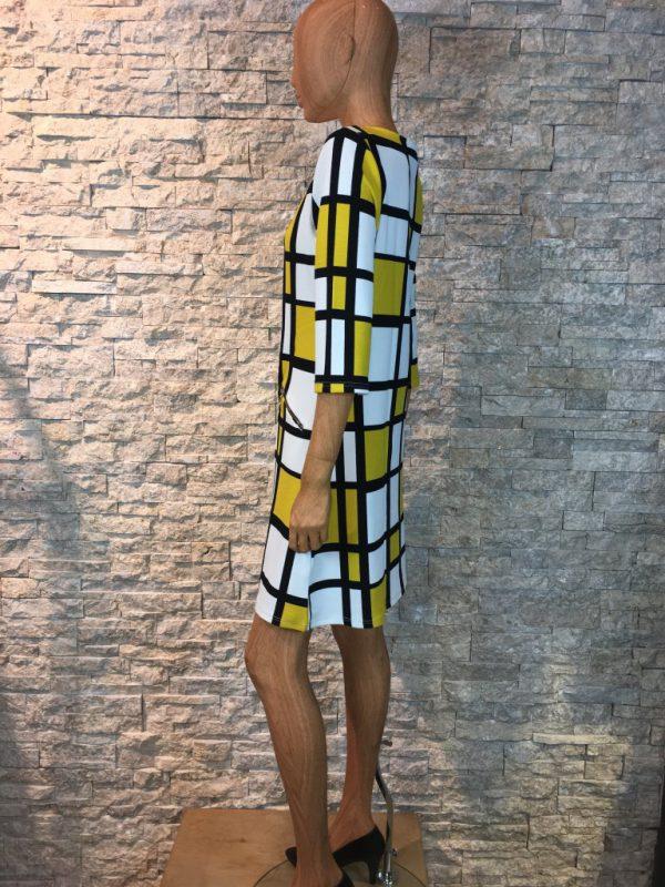 Geel/wit/zwart winter jurk met blokjes print -Leona bestellen