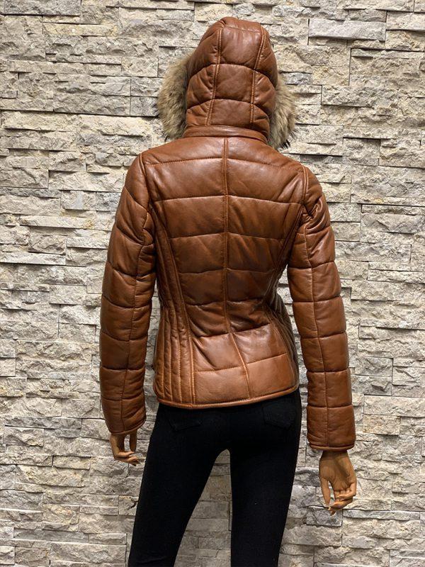 Dames winterjas Bobi met capuchon en bontkraag achterkant