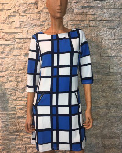 Blauw/wit/zwart winter jurk met blokjes print -Leona bestellen